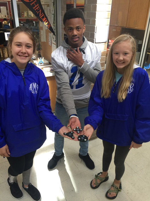 students making fidget spinners with a 3d printer